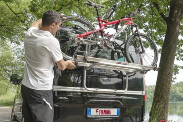 Porte-vélos et accessoires