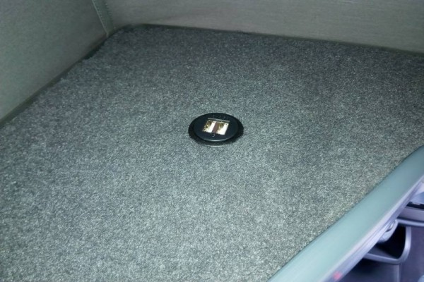 Techo elevable REIMO instalado en una Mercedes Viano Fun 639 Compacta