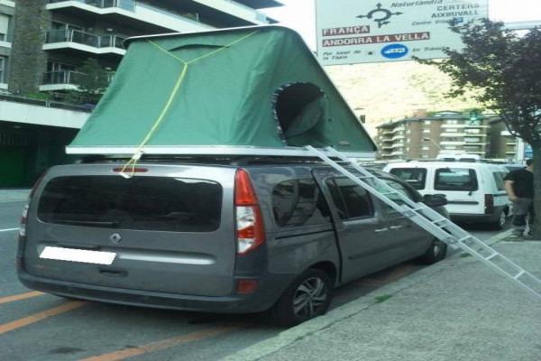 Autohome Columbus sobre una Renault Kangoo